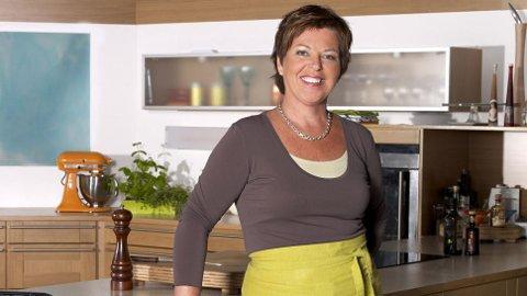 TV2-kokk Wenche Andersen tok turen til Gvarv tirsdag for å kokkelere på Lindheim gård.