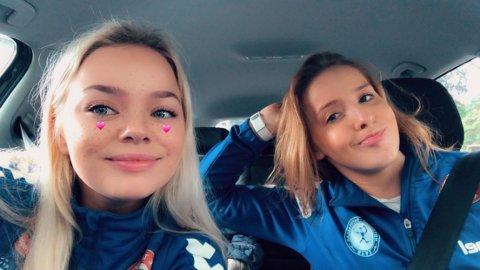 KORONAFAST: Notoddenjentene Tina Jeanett Gullbring (19) og Charlotte Jensen Pedersen (19) er koronafast i Norge.  De vet ikke med sikkerhet når de kommer seg tilbake til håndballstudiet i Danmark.