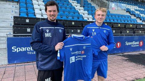 VELKOMMEN: Trener Magnus Ega ønsket Jens Torgersen Jonassen velkommen i NFK-drakta denne sesongen.