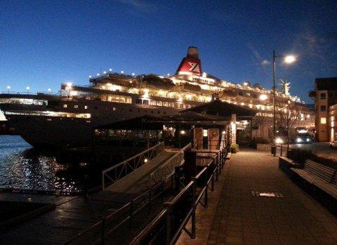 «Boudicca» til kai i Kristiansund fredag morgen. Foto: Svein Junge