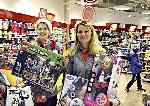 Lek og lær: Katine Sælen (til venstre) og Anne Lyngvær hos BR-Leker med julens mest solgte leker.