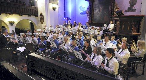 God stemning i Nordlandet kirke da Tempo og Kristiansund skolekorps holdt konsert.