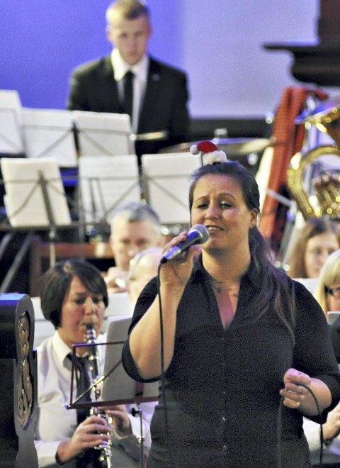 Randi Sandstad sang solo og bidro til variasjon i konserten.
