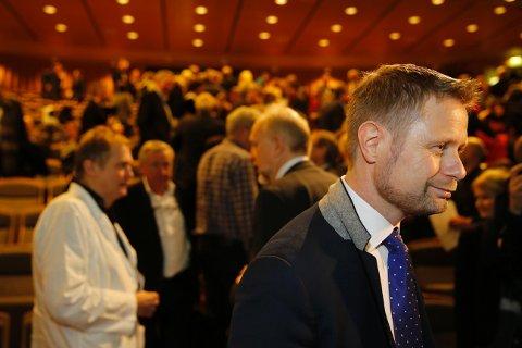 Bent Høie presenterte 7. januar sin årlige tale til sykehusene. - Han er positiv til en modell som ikke sentraliserer mer enn høgst nødvendig, skriver partifelle Elisabeth Røbekk Nørve.