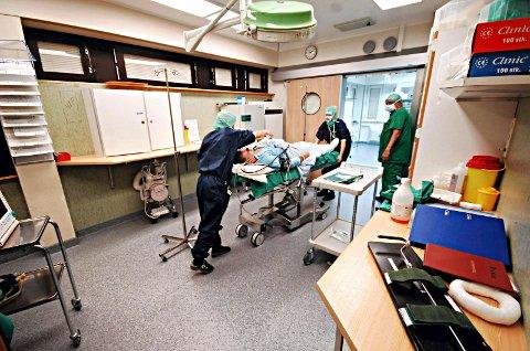 - Hvordan kan statsråden komme med slike forslag som nå, og dernest hevde at det er pasientens helsevesen, spør Ingeborg Henriksen, lege i spesialisering ved Volda sykehus.