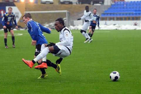 Daouda Bamba scoret et flott mål i treningskampen mot Stjørdals-Blink. Foto: Rune Edøy