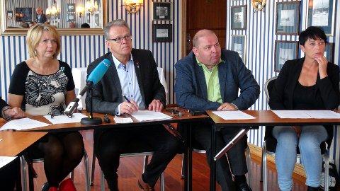 Fra venstre fylkesvaraordfører Gunn Berit Gjerde (V), fylkesordfører Jon Aasen (Ap) og Olav Myklebust (Sp) hadde fullt tillit til at Nordmørslista og Mette Belden (til høyre) ville forvalte ledervervet i regional- og næringsutvalget på beste måte..