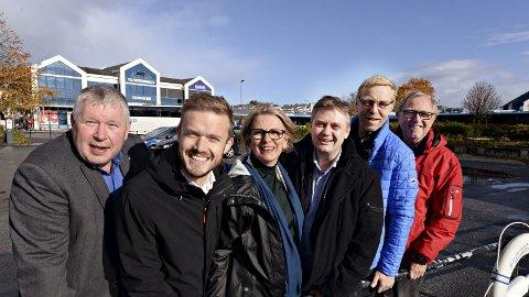 Lokale representanter for regjeringspartiene som fredag gledet seg over bevilgning på statsbudsjettet. Fra venstre Torbjørn Sagen (H), Vetle Wang Soleim (H), Ragnhild Helseth (V), Jan Steinar Engeli Johansen (FrP), Robert Nordvik (FrP) og Per Sefland (V).