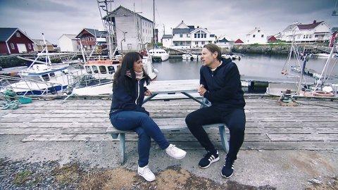 Heidi Edinsen (til venstre) har vært barnevakt og nabo med lottoprogramleder Reidar Buskenes. I februar vant hun 2,9 millioner kroner i Lotto.