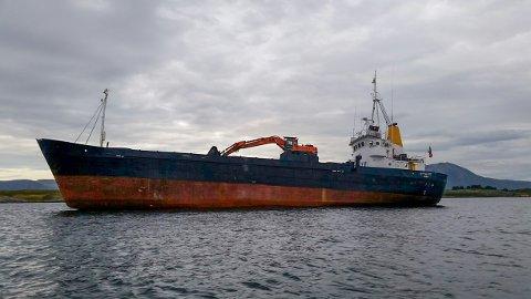 – Båten står nå der, rett opp og ned, sier Jørgen Nygård om bord på redningsskøyta «Erik Bye»