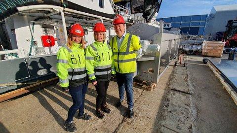 STRANDA PROLOG: Hedda Evjen (fra venstre), Lill Cathrin Gustad og Klaus Hoseth har følgende utfordring i årene som kommer: Rekruttering, rekruttering og atter rekruttering.