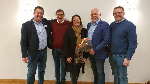 Det nye styret for KS Møre og Romsdal, fra venstre: Odd Helge Gangstad, Svein-Rune Johannessen,  Anne Marie Fiksdal,  Anders Riise og Knut Erik Engh. Audhild Mork og Margrethe Svinvik var ikke tilstede da bildet ble tatt.