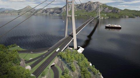 Ifølge planen som foreligger i dag skal E39 i framtiden krysse Romsdalsfjorden med tunnel og hengebro fra Vik i Vestnes kommune til Julbøen i Molde kommune. Fredag presenterer Statens vegvesen alternativer til fjordkryssingen.
