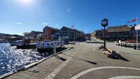 Torsdag skal sola varme godt på Nordmøre, ifølge meteorologene. Like skyfritt som det er på dette bildet, blir det derimot ikke.