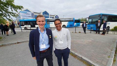 Campus Kristiansund skal bygges på rutebilen. Nye og attraktive studietilbud blir avgjørende for at Nordmøre ikke havner i bakevja, mener Stian A. Bjørshol (til venstre) og Daniel Ørnvik.