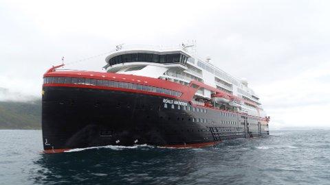 Verdens første batteridrevne cruiseskip, Roald Amundsen.