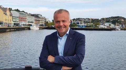 Kjell Neergaard forklarer her hvorfor han ikke var til stede på lørdagens offisielle åpning av riksvei 70 Tingvoll - Meisingset, Nordmørsbyens hovedveiforbindelse til resten av verden.