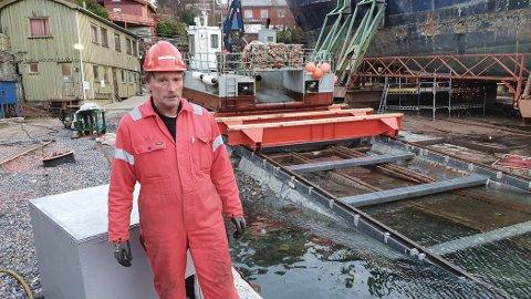 NY ÆRA: – Vi kan ta på land moderne båttyper som katamaraner og oppdrettsfartøy.Dette blir som en ny æra for oss, sier Knut Aukan om den nye slippen til Kristiansund Mekaniske.