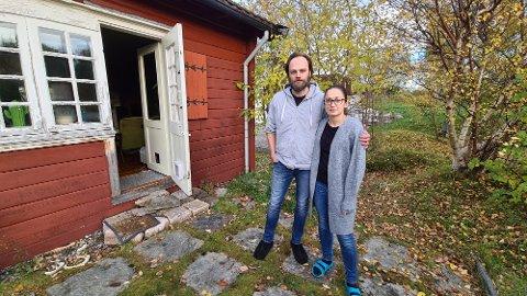 Robert Sztorc og Anna Ostachowska takker for all hjelp og støtte etter å ha opplevd innbrudd mitt på natten i sitt eget hjem.