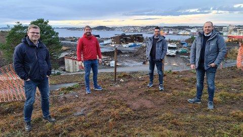 Lokale aktører tar grep for å sette fart på utbygging av nytt boligområde. Fra venstre: Per Arne Fladseth, Pål Erik Forsnes, Ole Anders Lund og Espen Ludvigsen.