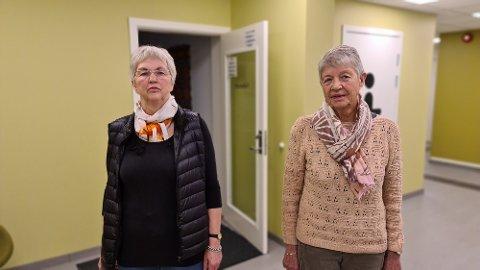 Her brøt tyven seg inn gjennom døren til fellesstuen, forteller Elisabeth Solli og Inger Lossius.