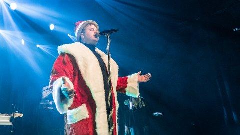 Freddy Kalas tar med seg julestemning og godt humør til Kristiansund.