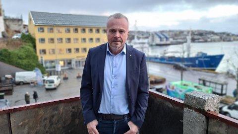 SKUFFET: Ordfører Kjell Neergaard sier det er dramatisk å få melding om at fødeavdelingen i Kristiansund skal stenges ut året.