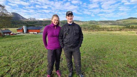 Begge har drømt om å finne en gårds-partner fra de var små. Nå har Marthe Holthe Sirivik (18) og Birger Gilling Ingeborgvik (20) både funnet kjærligheten og kjøpt seg gårdsbruk som de skal drive sammen.
