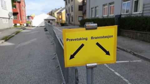 En person var innom flere steder i Kristiansund før vedkommende testet positivt på covid-19. Kristiansund kommune opplyser at det er jobbet effektivt med smittesporing og testing etter det nye koronatilfellet i Kristiansund.