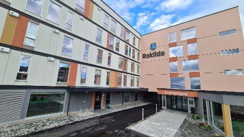 Kristiansund kommune innfører besøksforbud for på sykehjemsinstitusjoner for å beskytte sårbare grupper mot smittespredning.