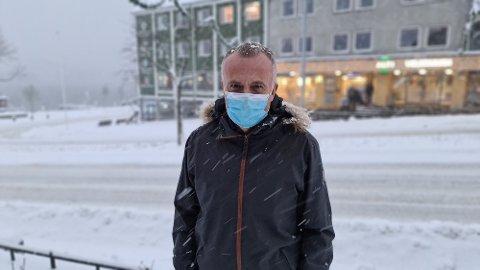 Midt håndteringen av koronautbrudd har ordfører Kjell Neergaard og hans stab ansvaret med saksbehandlingen for reguleringsplaner til to svært viktige prestisjeprosjekter.