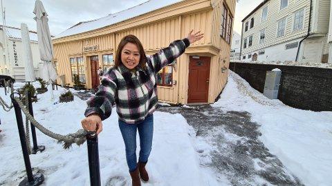Smitten er under kontroll og kommuneoverlegen har åpnet for skjenking. Da kan Susu Lwin ønske sine gjester velkommen igjen.