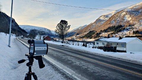 Høyeste hastighet ble målt til 78 km/t i 60-sonen under en fartskontroll mandag. på Bjerkeset i Gjemnes.