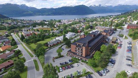 Volda er blant de tre sykehusene i landet som skårer høyest i en undersøkelse av pasienters erfaringer med norske sykehus. Også Kristiansund ligger over snittet, mens Ålesund og Molde ligger under.