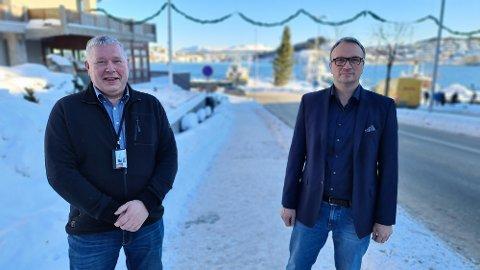 Det kommer dessverre relativt lite vaksiner, så folk må smøre seg med tålmodighet, oppfordrer Torbjørn Sagen (til venstre) og Askill Sandvik.