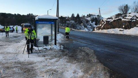 Politi og Statens vegvesen gjennomførte tirsdag to store kontroller sammen i Kristiansund. Dette bildet ble tatt på Rensvikholmen, der drøyt 1.000 kjøretøy passerte.
