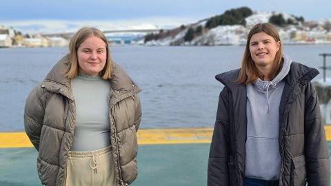 Attraktivitet for bosetting av kvinner handler enkelt sagt om å ha attraktive tilbud for kvinner, mener  Gina Heggem (til venstre) og Tuva Karlsen.
