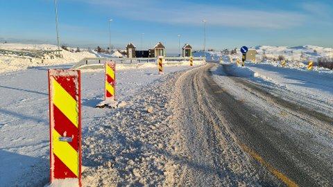 Statens vegvesen ber trafikantene være oppmerksomme og senke farten gjennom bomstasjonsområdet.