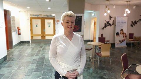 Den lokale sykehusledelsen i Kristiansund med Carina Wollan i spissen får nå ansvaret for rekruttering av gynekologer. til fødeavdelingen.