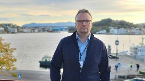 Kommuneoverlege Askill Sandvik levner ingen tvil om hvem som blir prioritert for vaksinering de neste to ukene.