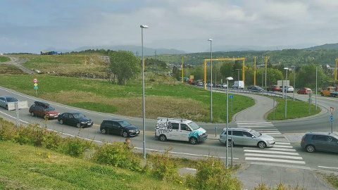 Trafikken har stått stille eller sneket seg fram i minimal fart etter trafikkulykken på Nordlandet torsdag ettermiddag. Det har påvirket store deler av byens befolkning i kveld.
