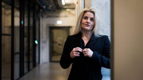KREVER ENDRING: Direktør Inger Lise Blyverket i Forbrukerrådet krever at SAS og Norwegian lar kundene beholde opptjente bonuspoeng.