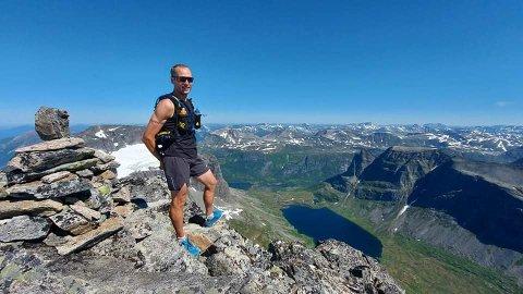 – Det er litt gøy å teste hvor langt kroppen og ikke minst hodet kan nå, sier Espen Avset Fredriksen.