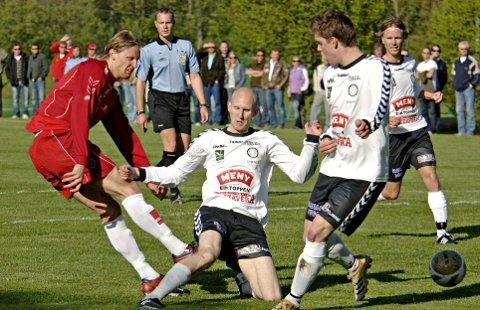 59cdee45 Ydmyket PÅ EIKBANEN: 20. mai 2007 møttes Eik og FK Tønsberg i 1.