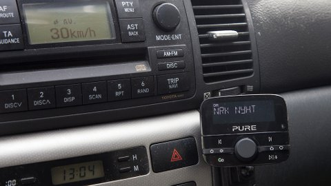 LITE DAB i BIL: Mange har ikke installert DAB-radio i bilen. Neste år slukkes FM-nettet, og første fylke ut er Nordland.