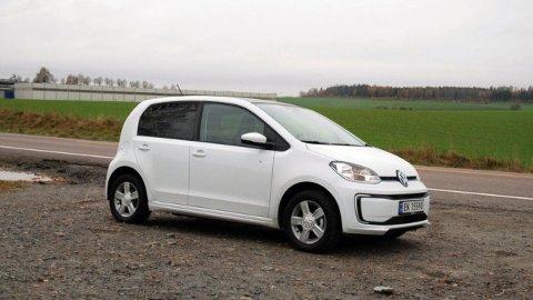Volkswagen e-up! er en av de minste og rimeligste elbilene i bruktmarkedet. Nå får du den fra i overkant av 100.000 kroner.