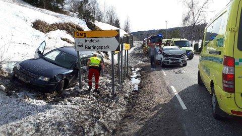 KOLLISJON: I alt tre biler var involvert i ulykken.