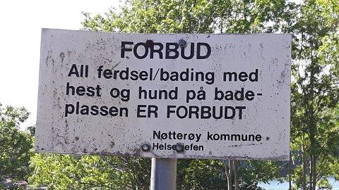 MØTTE HUNDEEIEREN: Det var dette skiltet som møtte Øystein Wiik på Tørkopp.