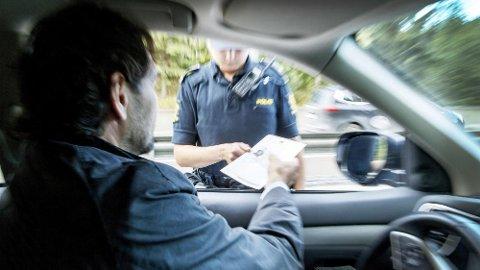 IKKE I NORGE: Dersom du kjører for fort og mister førerretten i utlandet gjelder ikke det i Norge.