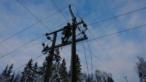 FIKSER: Skageraks mannskaper rykker ut når det oppstår feil i strømnettet. Foto: Skagerak Energi